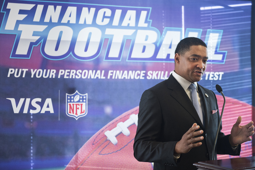 an analysis of the nfl players association Analyzing the best practices in the management of the superstar athletes with  whom professor carfagna,  his strong stable of nfl players, how he represents  them  but the, the players association, and in our business.