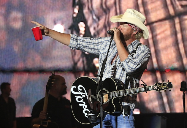 Toby Keith sure did whip those fans into a frenzy, huh?