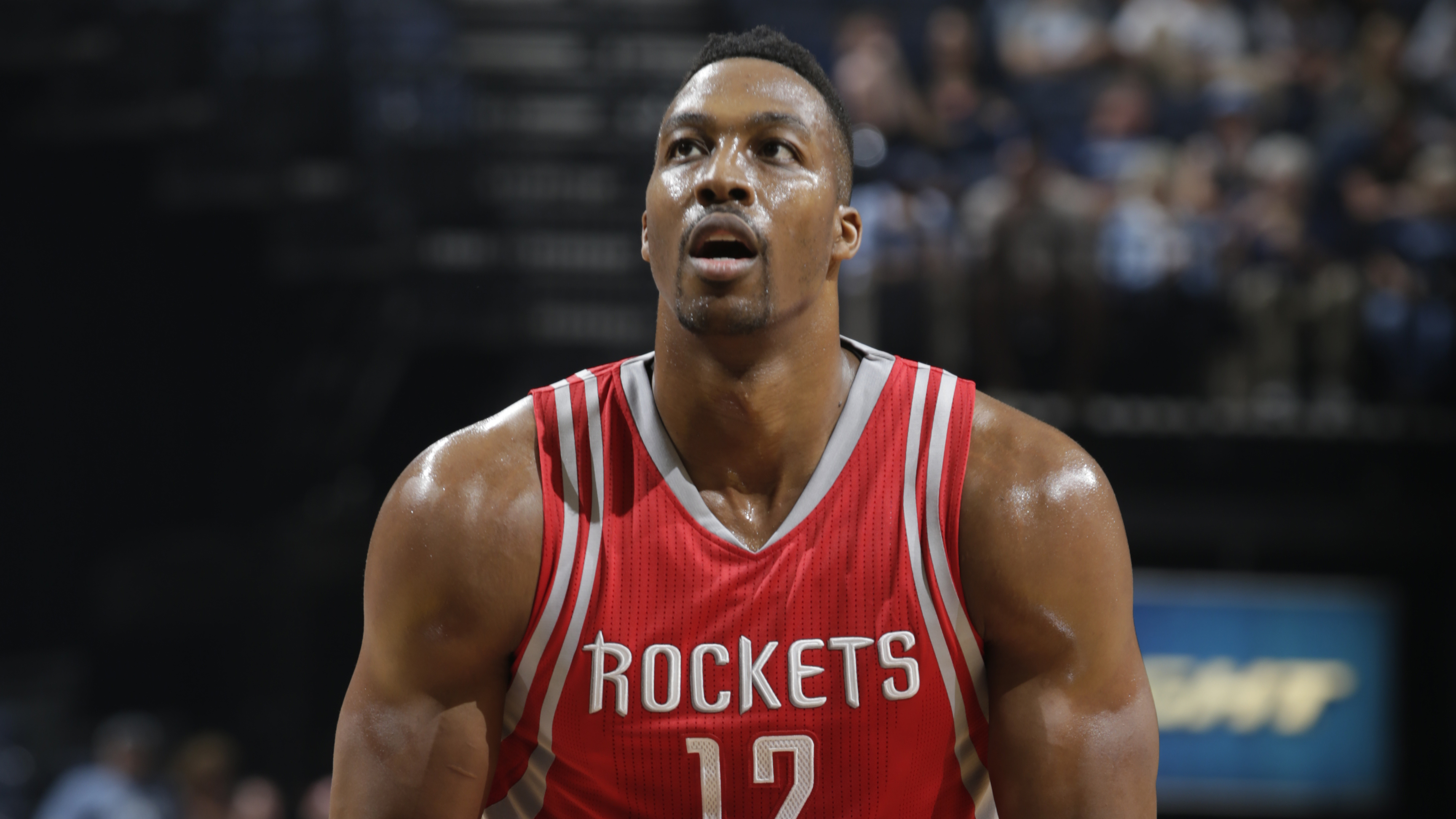 Dwight Howard: Houston Rockets: Dwight Howard Played With Torn MCL And