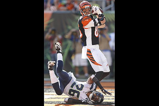 Bengals'  Tyler Eifert catches touchdown over Seahawks' Cary Williams