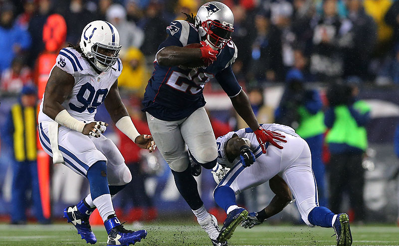 LeGarrette Blount carries for the Patriots against the Colts.