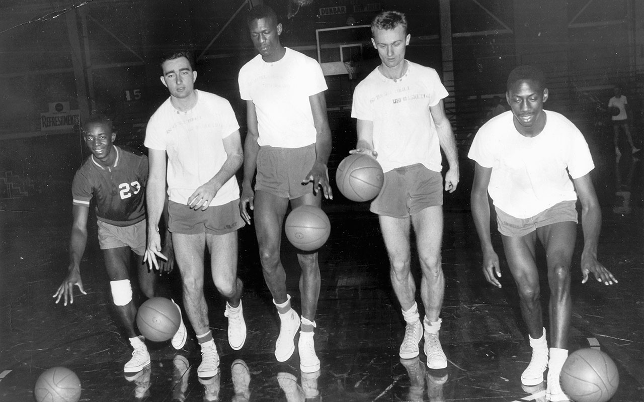 Bill Russell Center And Members Of The University San Francisco Dons Basketball Team