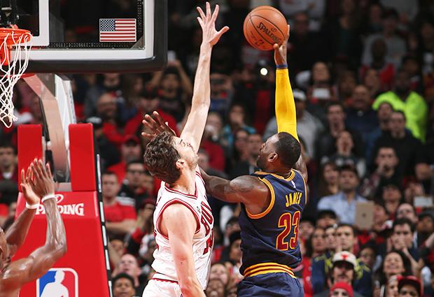 LeBron James Pau Gasol block Bulls Cavaliers season opener