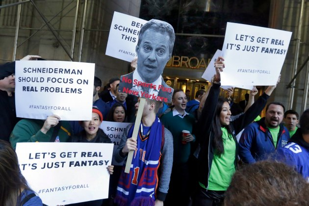 Draft Kings, Fan Duel fans and employees protest in New York