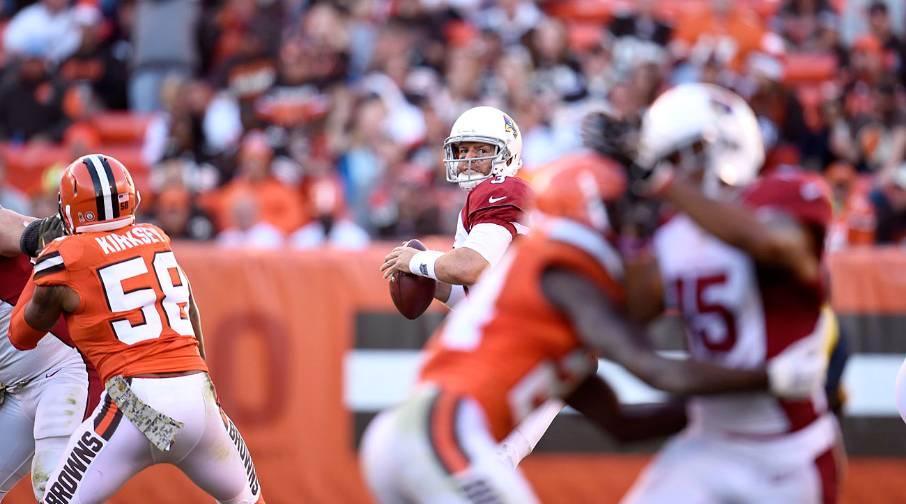 Cardinals quarterback Carson Palmer passing against the Browns in Week 8 of the 2015 NFL season.