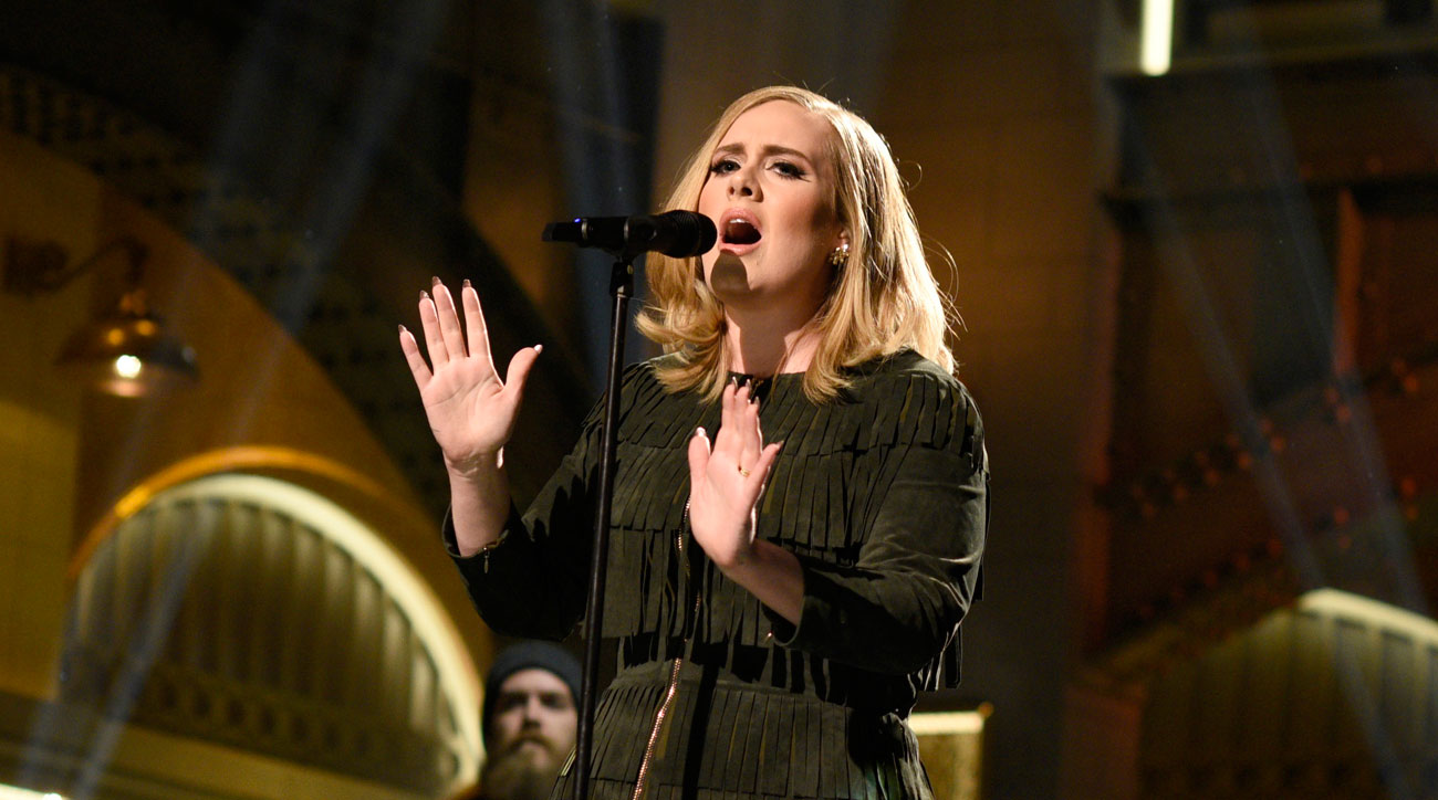 Adele performs on Saturday Night Live.