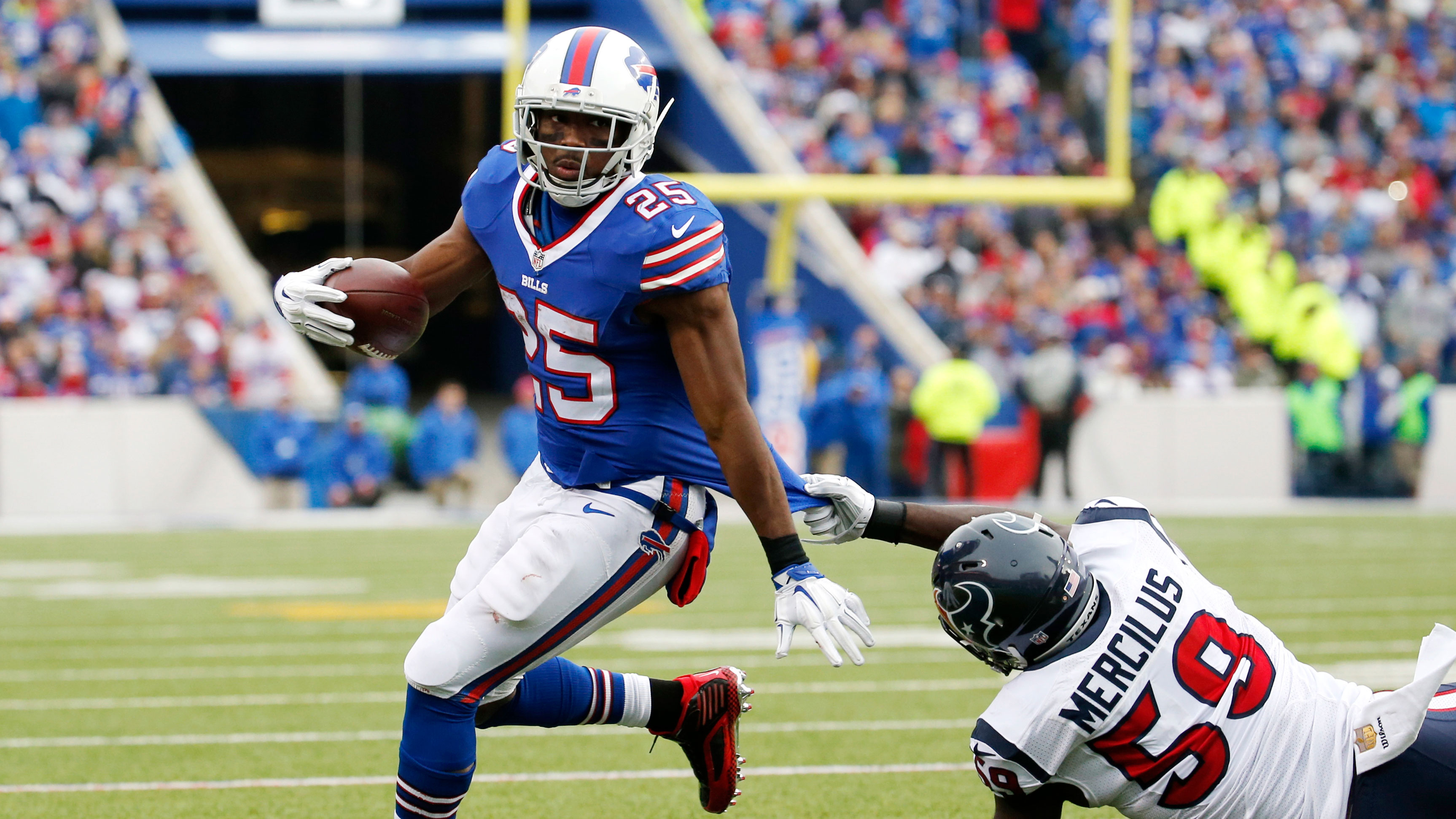 LeSean McCoy injury Bills RB undergoes concussion protocol