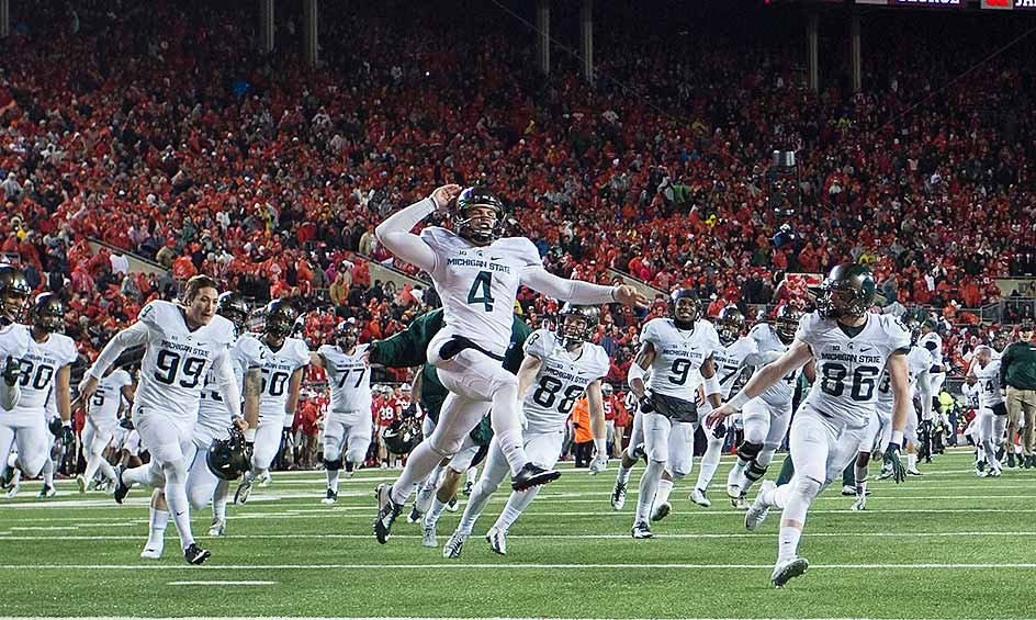 Michigan State 17, Ohio State 14: Michigan State kicker Michael Geiger drilled a 41-yard field goal as time expired to lift the Spartans past Ohio State in Columbus. The win ended the Buckeyes' 23-game winning streak and put MSU in the driver's seat to win the Big Ten East.