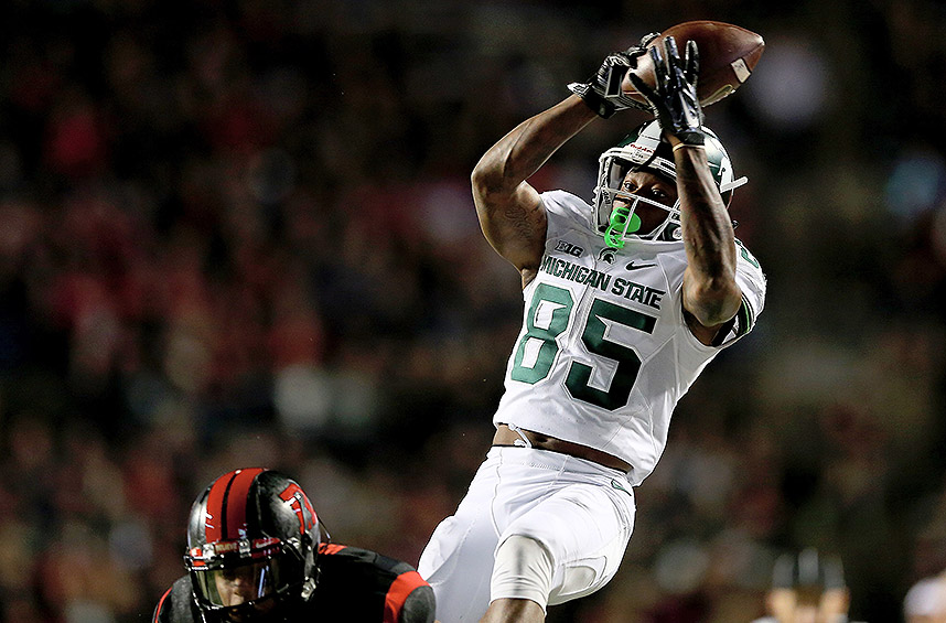 Michigan State 31, Rutgers 24: In another close game, the Spartans won on a 3-yard touchdown run by L.J. Scott with 49 seconds remaining. It was Scott's second TD of the night.