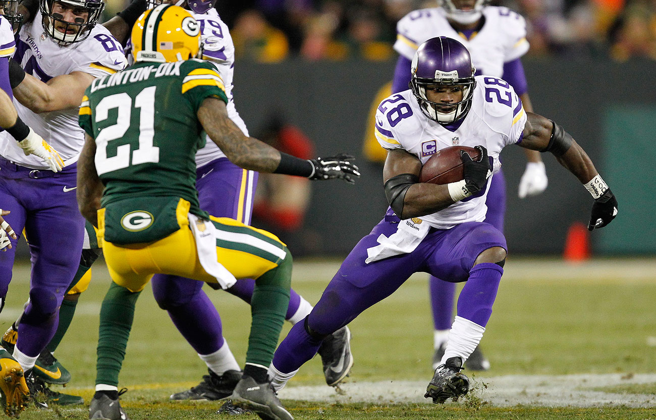 Adrian Peterson finished the season with a 67-yard game against the Packers.