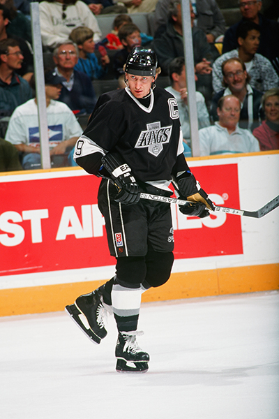 Wayne Gretzky Comes Back To Kings Following Serious Back