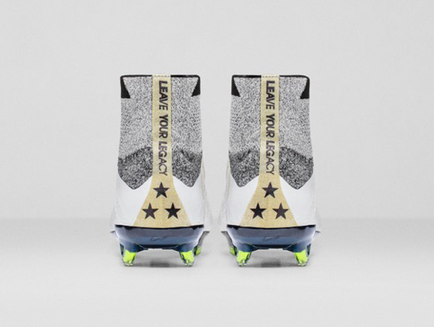 Carli Lloyd cleat