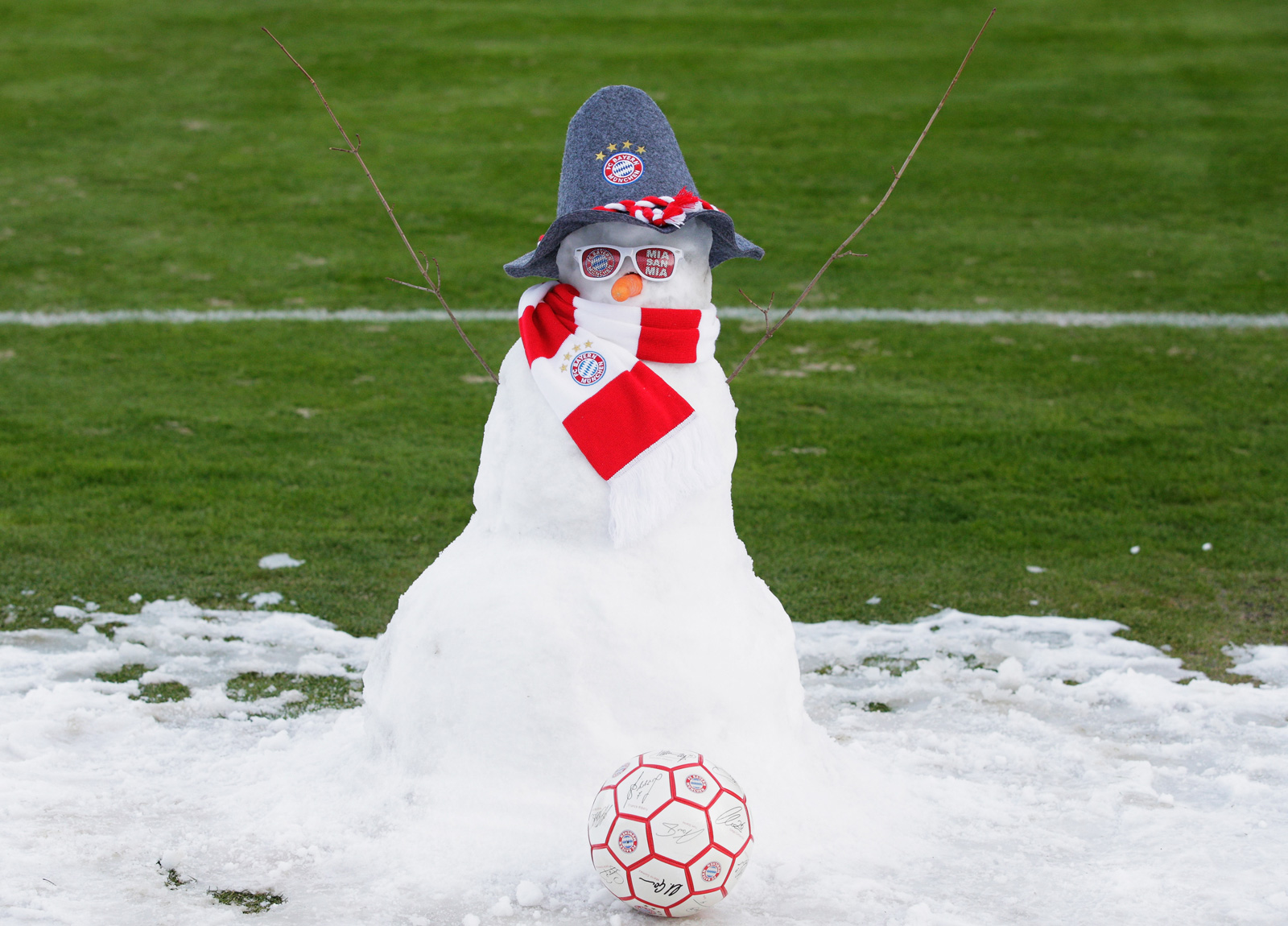No question which team this snowman roots for, built at Bayern Munich training in January 2015.