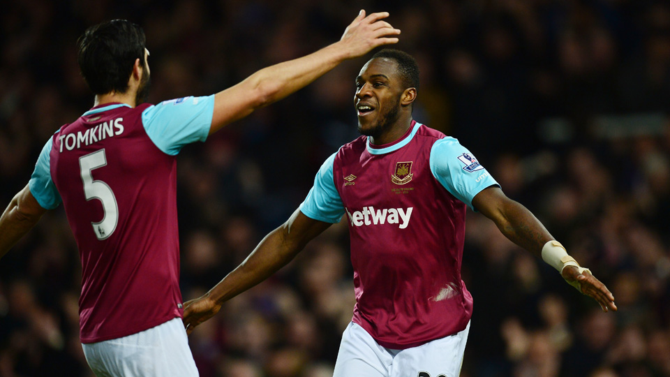 West Ham eased by Aston Villa in the Premier League
