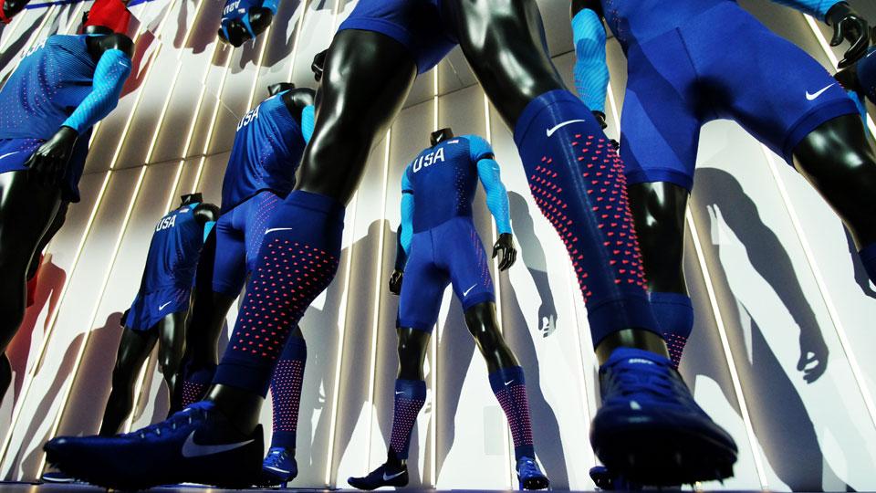 6b50dbec438 Nike unveils new uniforms
