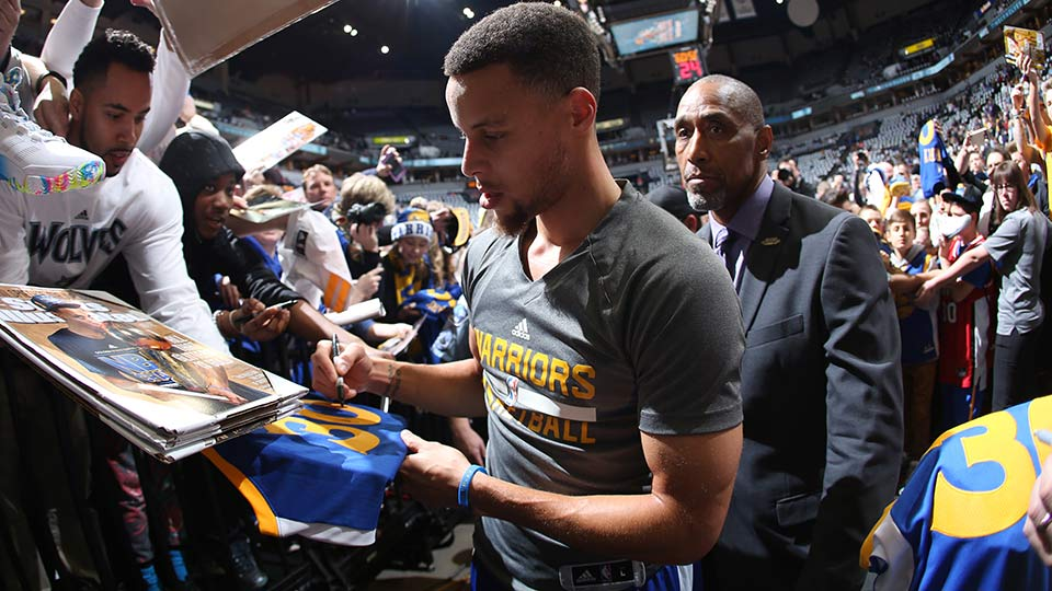 Golden State Warrior Stephen Curry >> Stephen Curry's bodyguard: The man who guards the Warriors   SI.com