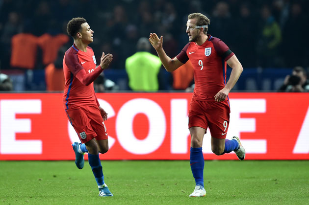 Harry Kane and Dele Alli playing for England