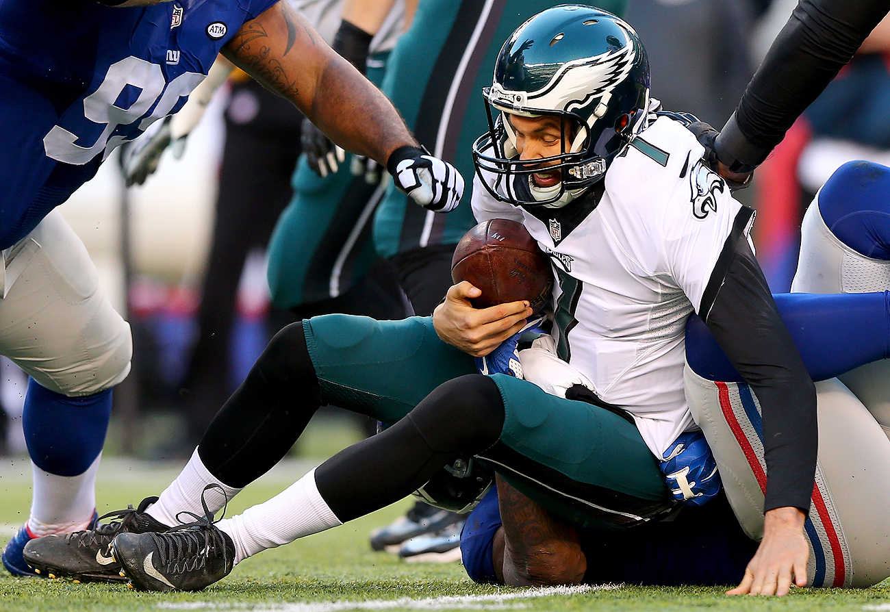 Sam Bradford won't have a secure grasp on the Eagles' starting job entering training camp, with a $7 million backup and a No. 2 pick right behind him.