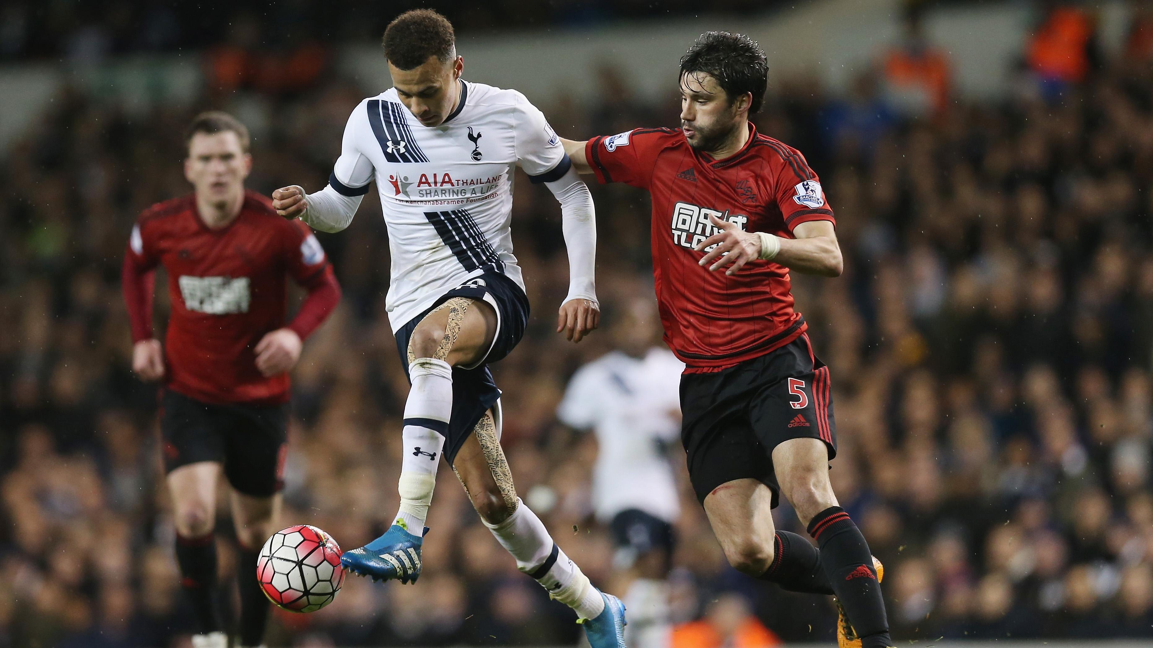 Tottenham Dele Alli suspended for punching Claudio Yacob