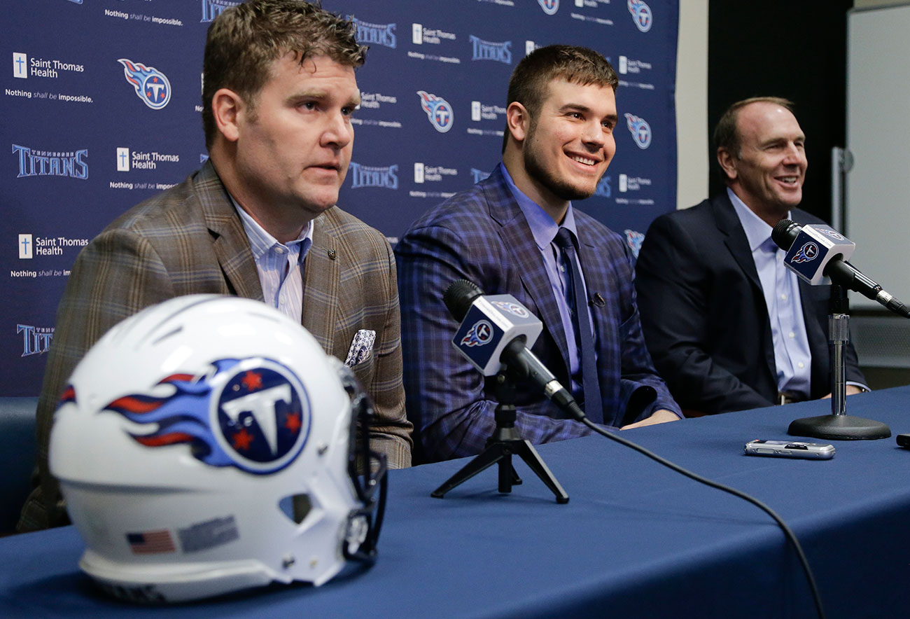 Titans GM Jon Robinson with top pick Jack Conklin and coach Mike Mularkey.