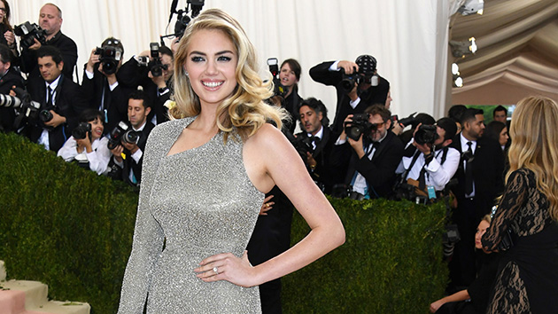 kate-upton-engagement-ring-justin-verlander
