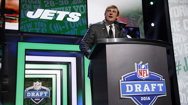 It was appropriate that former Jets quarterback Chad Pennington announced their second-round selection of a quarterback.