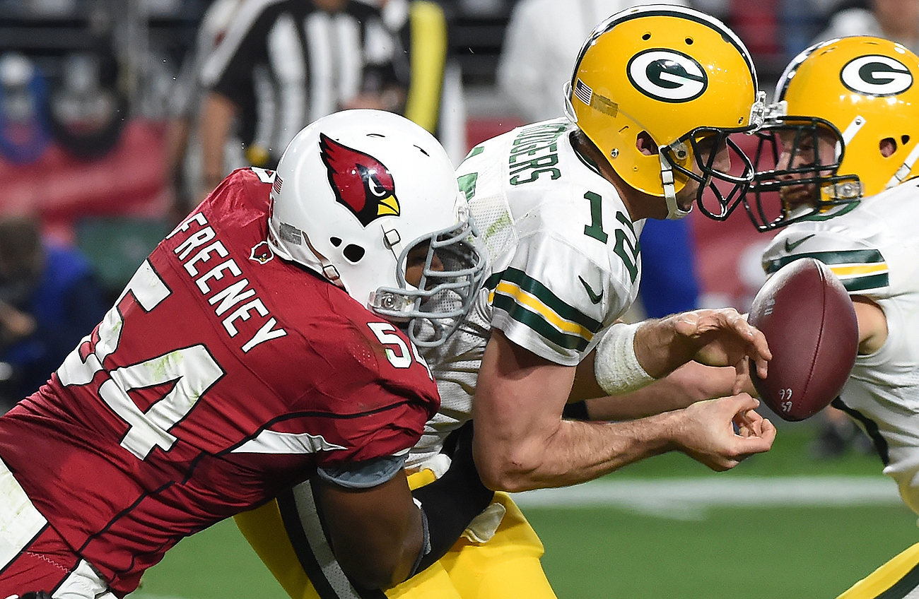 Dwight Freeney had a major impact on the Cardinals in 2015 despite playing limited snaps.