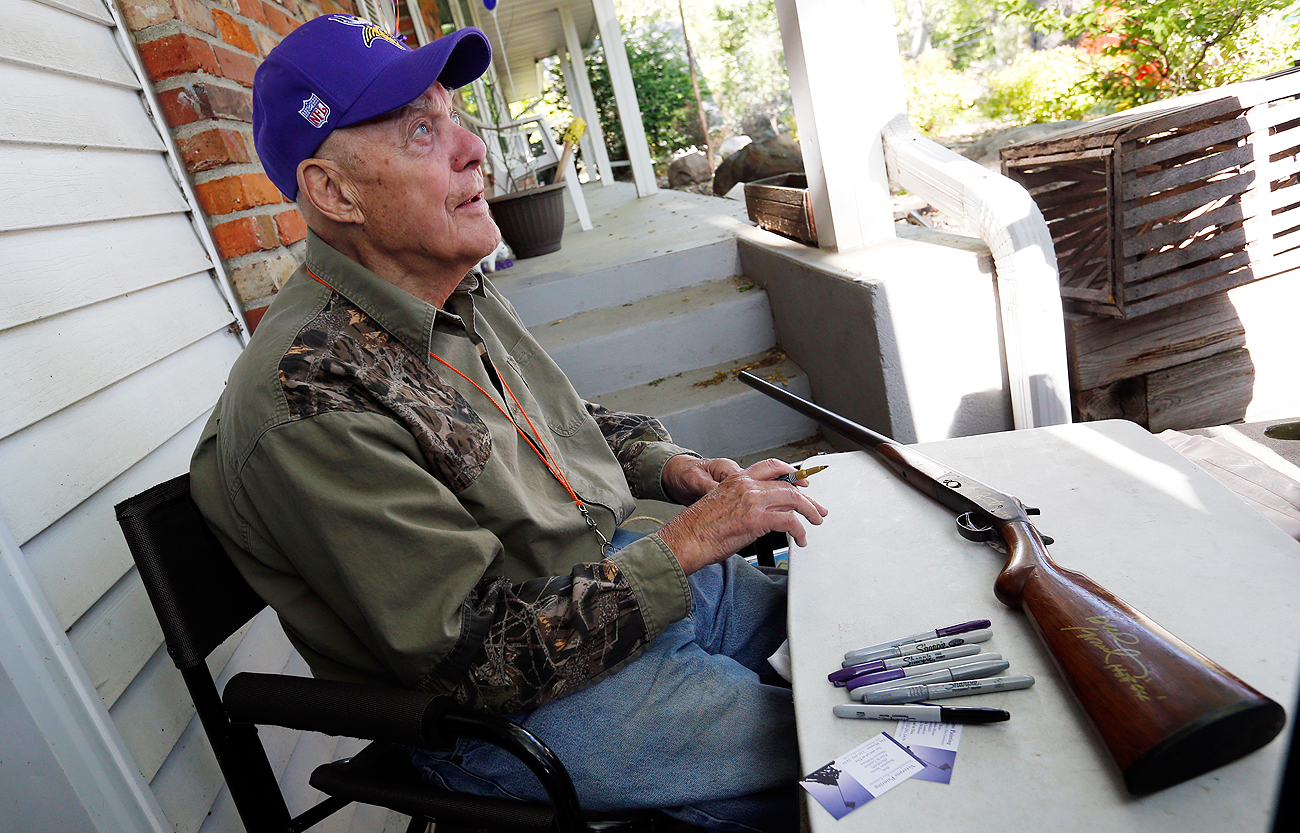 An extra $20 will get you a Bud Grant autograph on your purchase. Yup, even rifles.