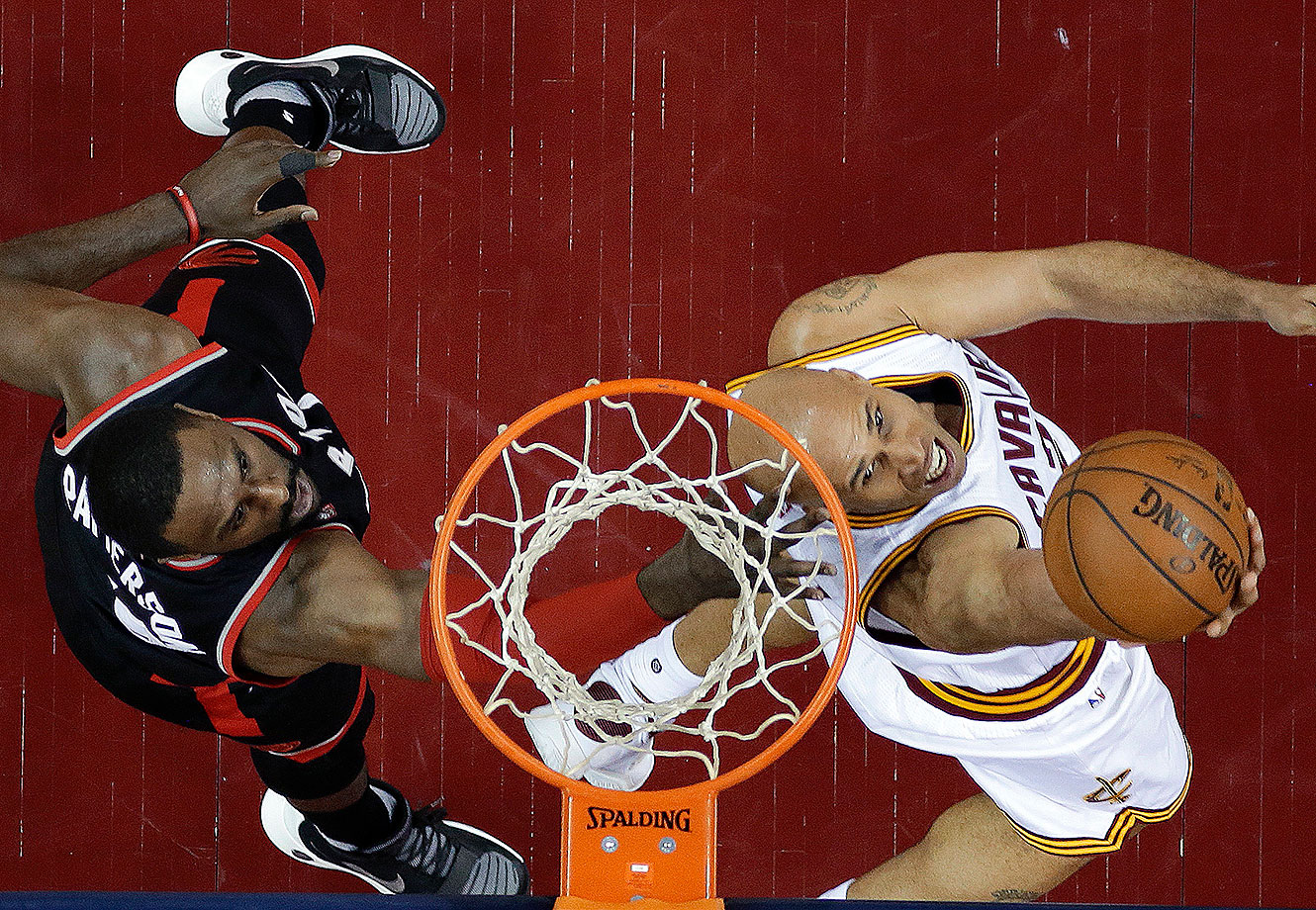 Cleveland Cavaliers' Richard Jefferson (24) shoots against Toronto Raptors' Patrick Patterson (54) during the first half of Game 5 of the NBA basketball Eastern Conference finals Wednesday.