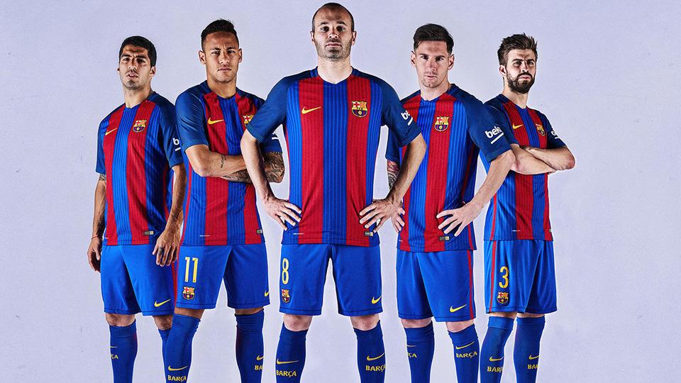 Barcelona reverts to vertical blue 2ef6fa836