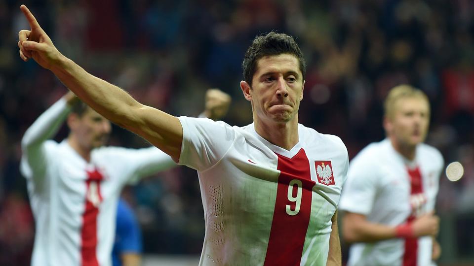 Robert Lewandowski leads Poland into Euro 2016