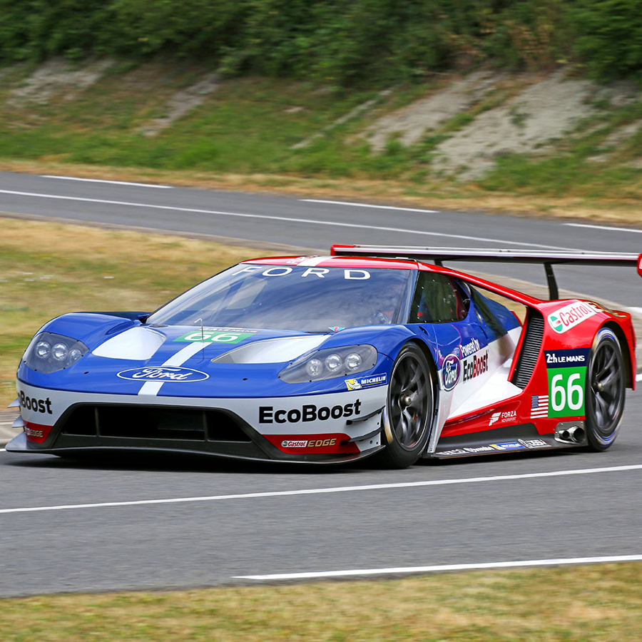 the drive racing ford gt