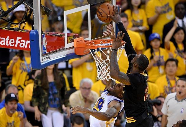 LeBron James blocks Andre Iguodala