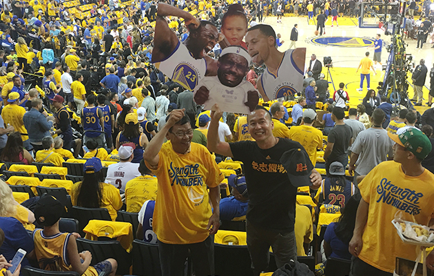 nba-finals-cavs-warriors-fans