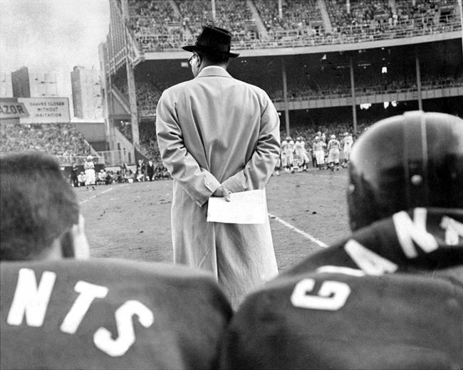 Vince Lombardi coaching the New York Giants.