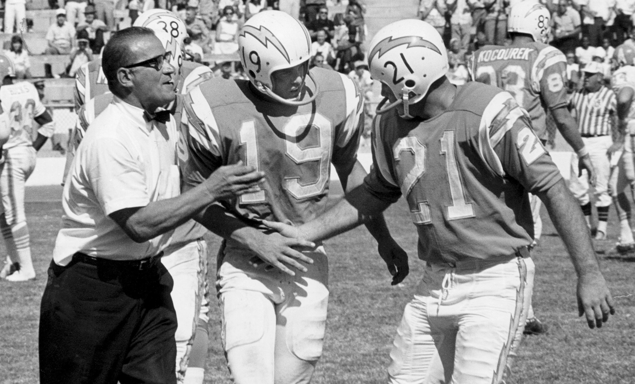 Gillman, in 1965, with Lance Alworth (19) and John Hadl