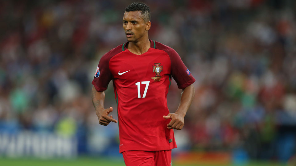 Nani has signed with Valencia