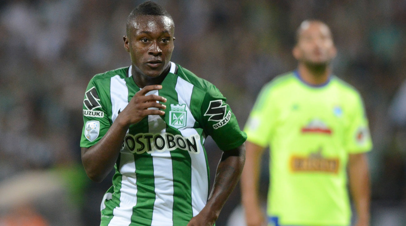 Marlos Moreno signs with Manchester City