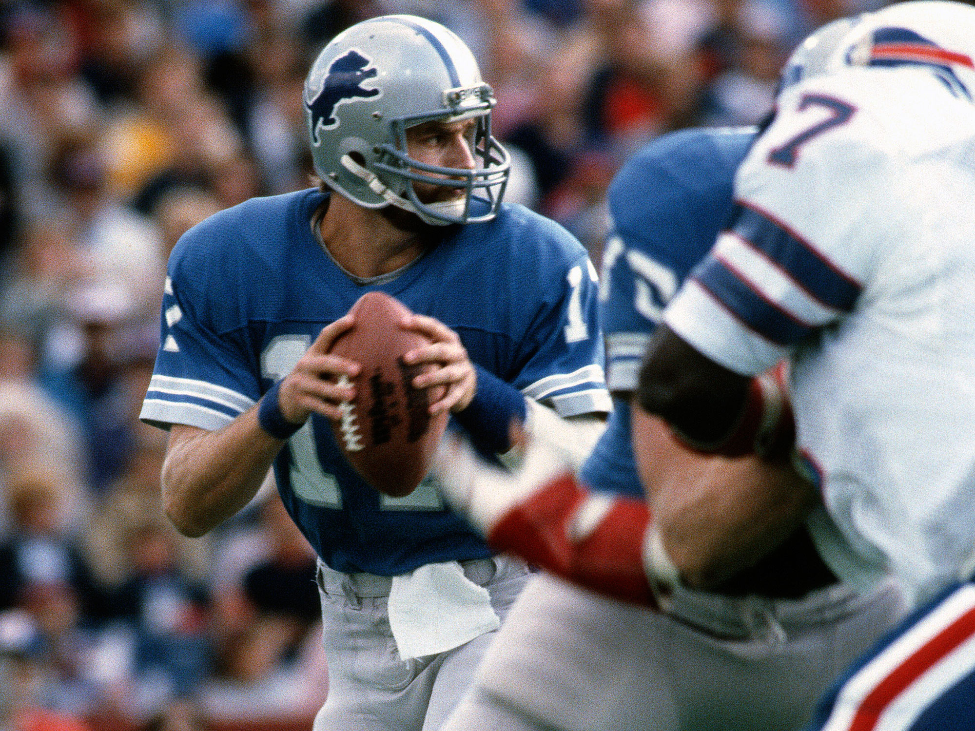 Hipple started 57 games at QB over nine seasons with the Lions from 1980 to '89.