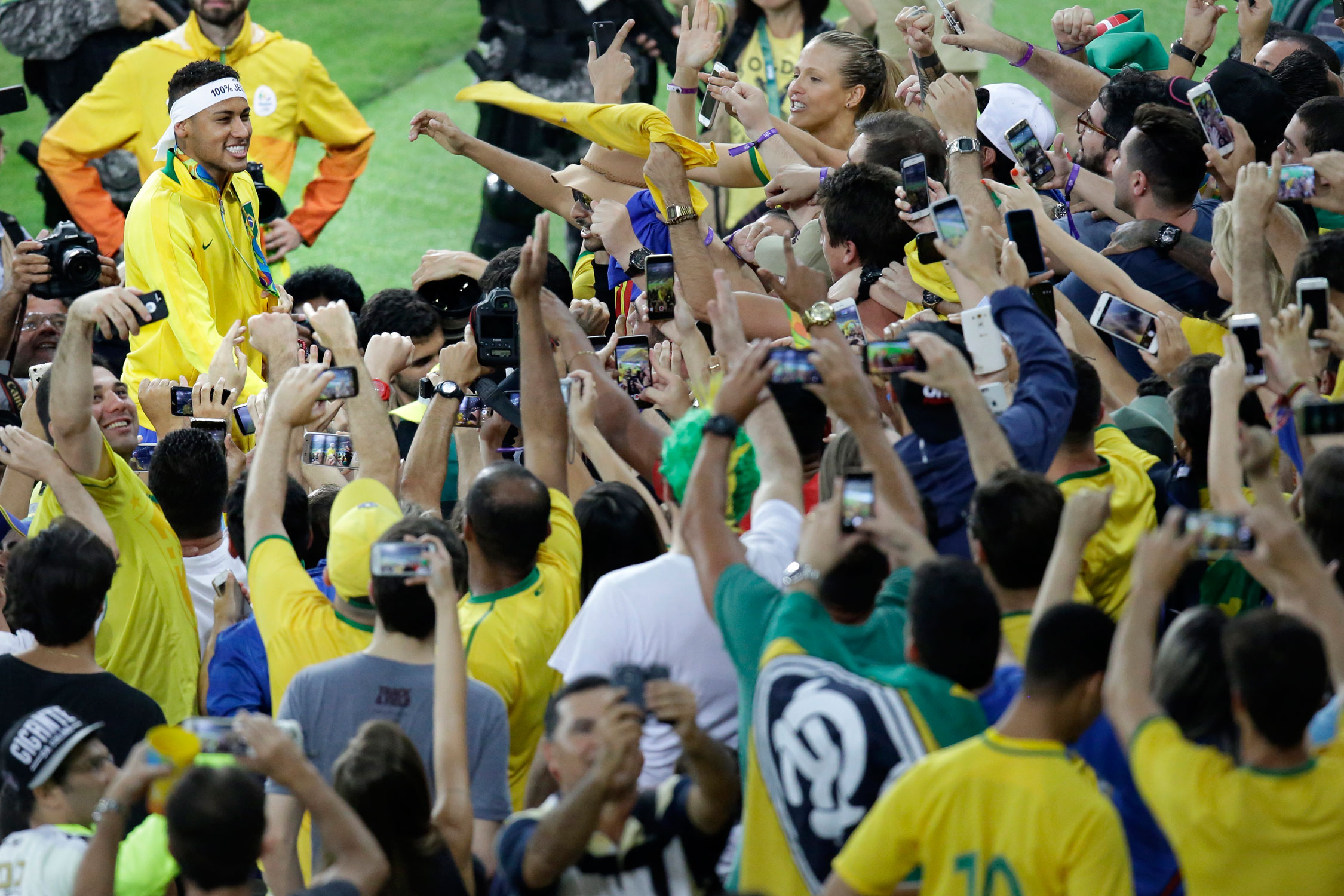 Neymar soaks up the love after leading Brazil to the Olympic gold medal at the Maracanã in Rio de Janeiro