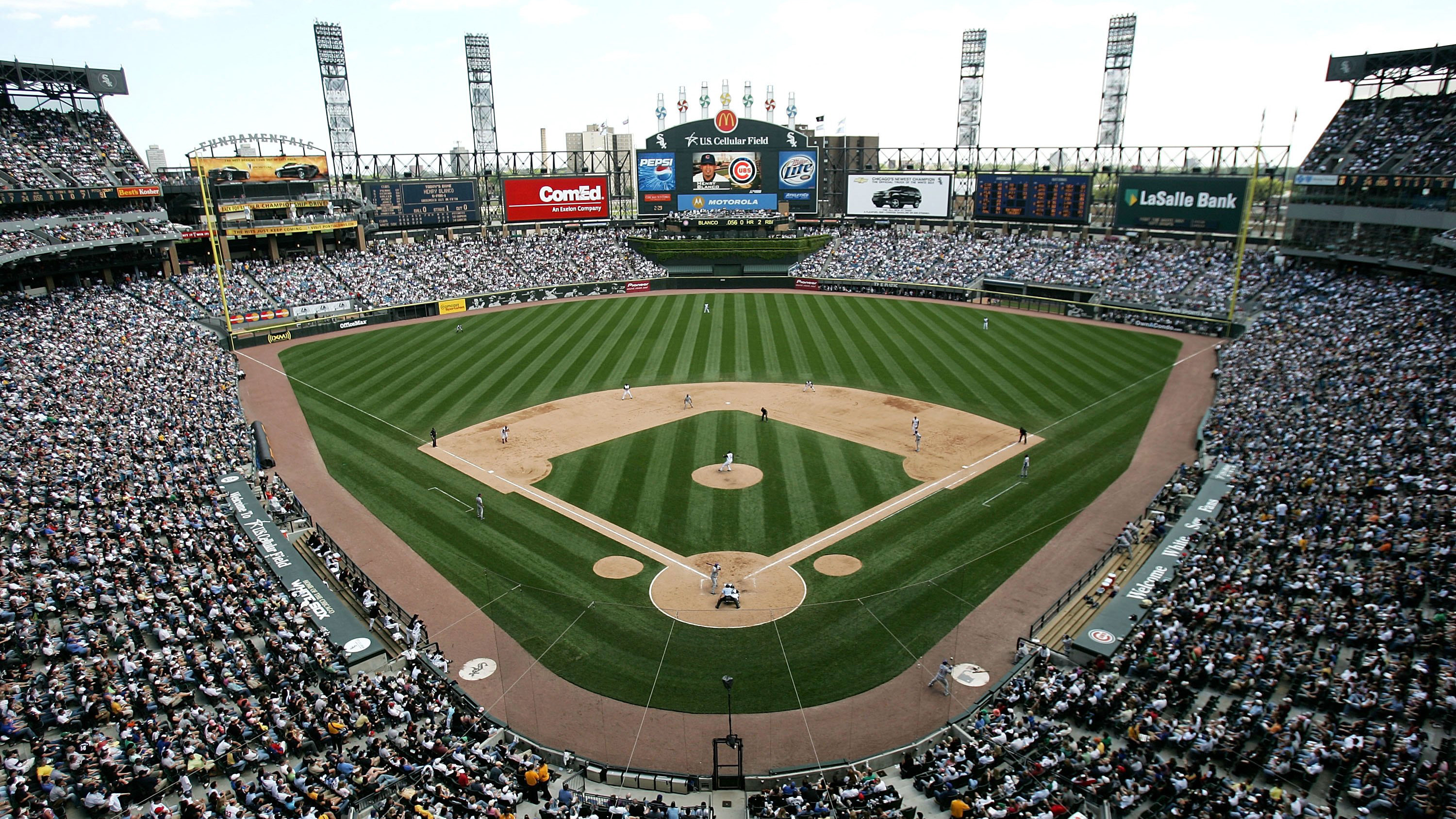 Guaranteed Rate Field White Sox Rename Stadium SIcom - Us cellula r field inside map