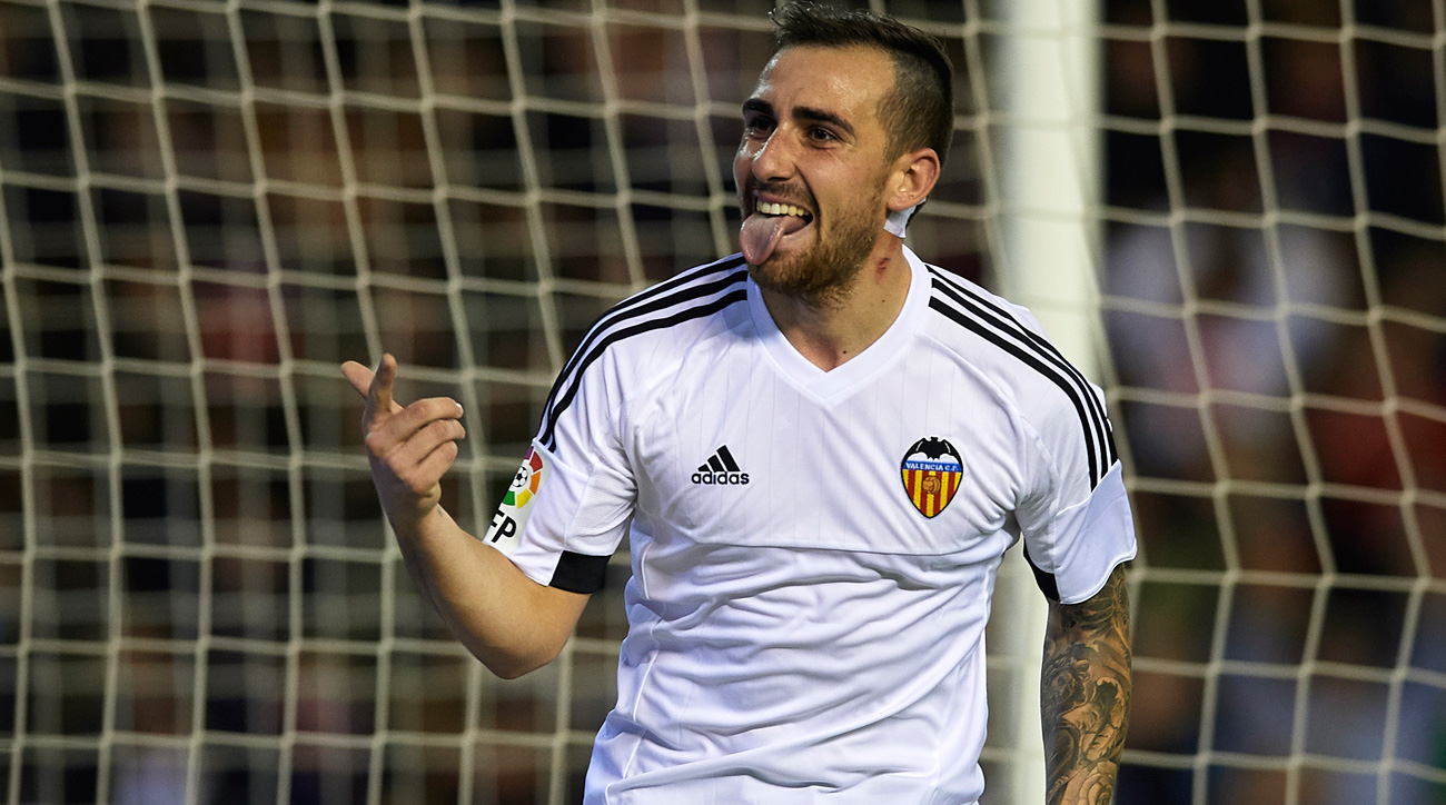 Paco Alcacer joins Barcelona from Valencia