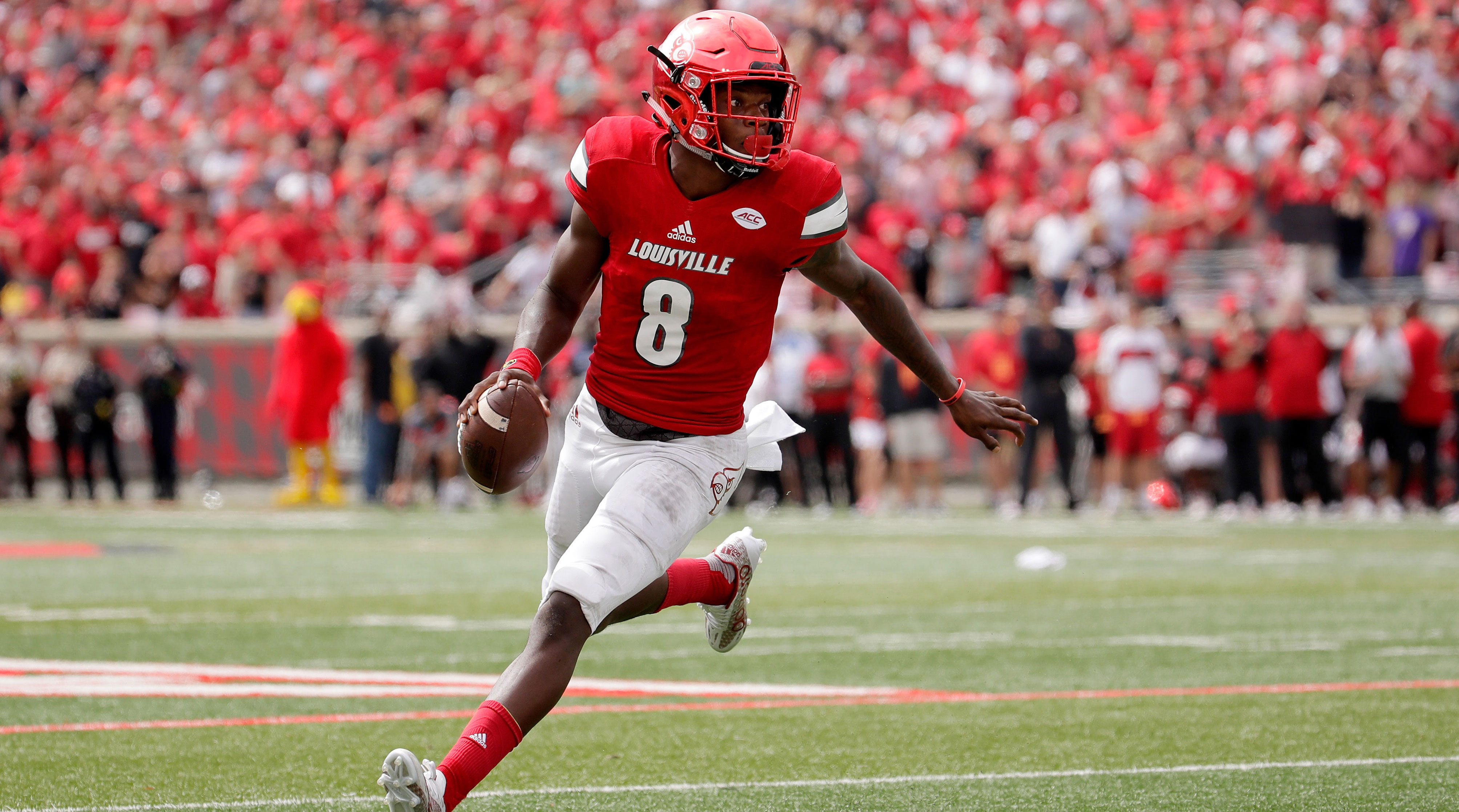 Lamar Jackson changes look but not style