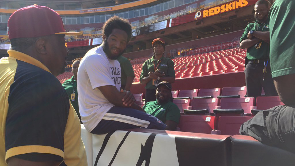 alfred morris cowboys redskins fedex field stadium workers