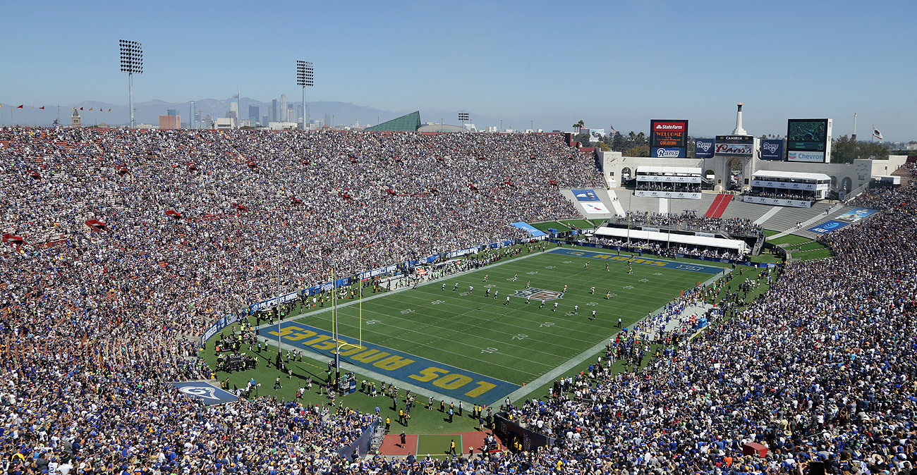 The Rams rewarded a sellout crowd with a win over the Seahawks on Sunday.