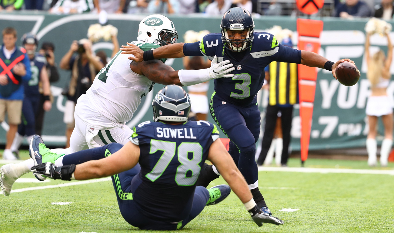 Russell Wilson moved nimbly against the Jets, showing no outward signs of being slowed by his MCL or ankle injuries.