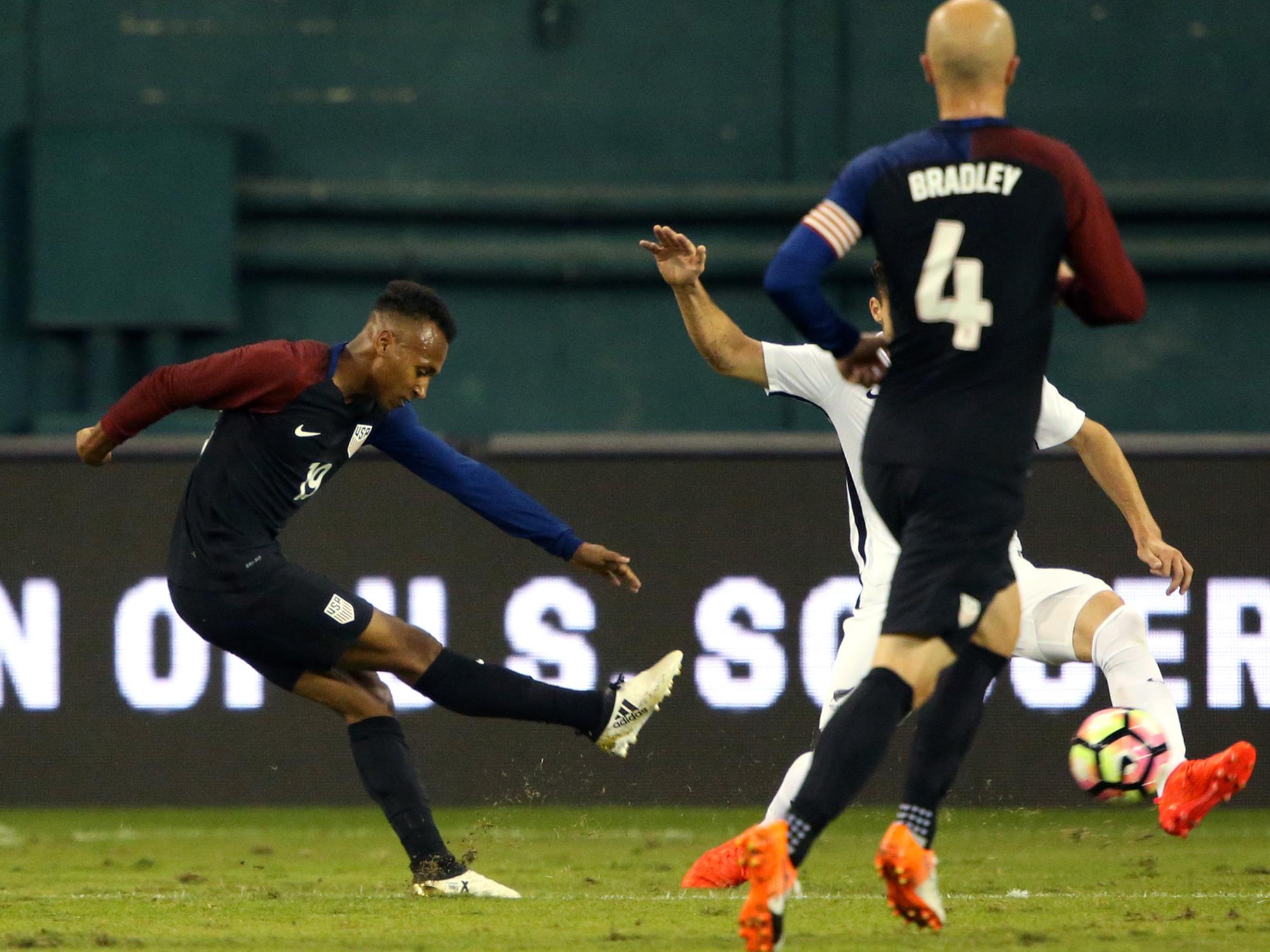 Julian Green scores for the USA vs. New Zealand