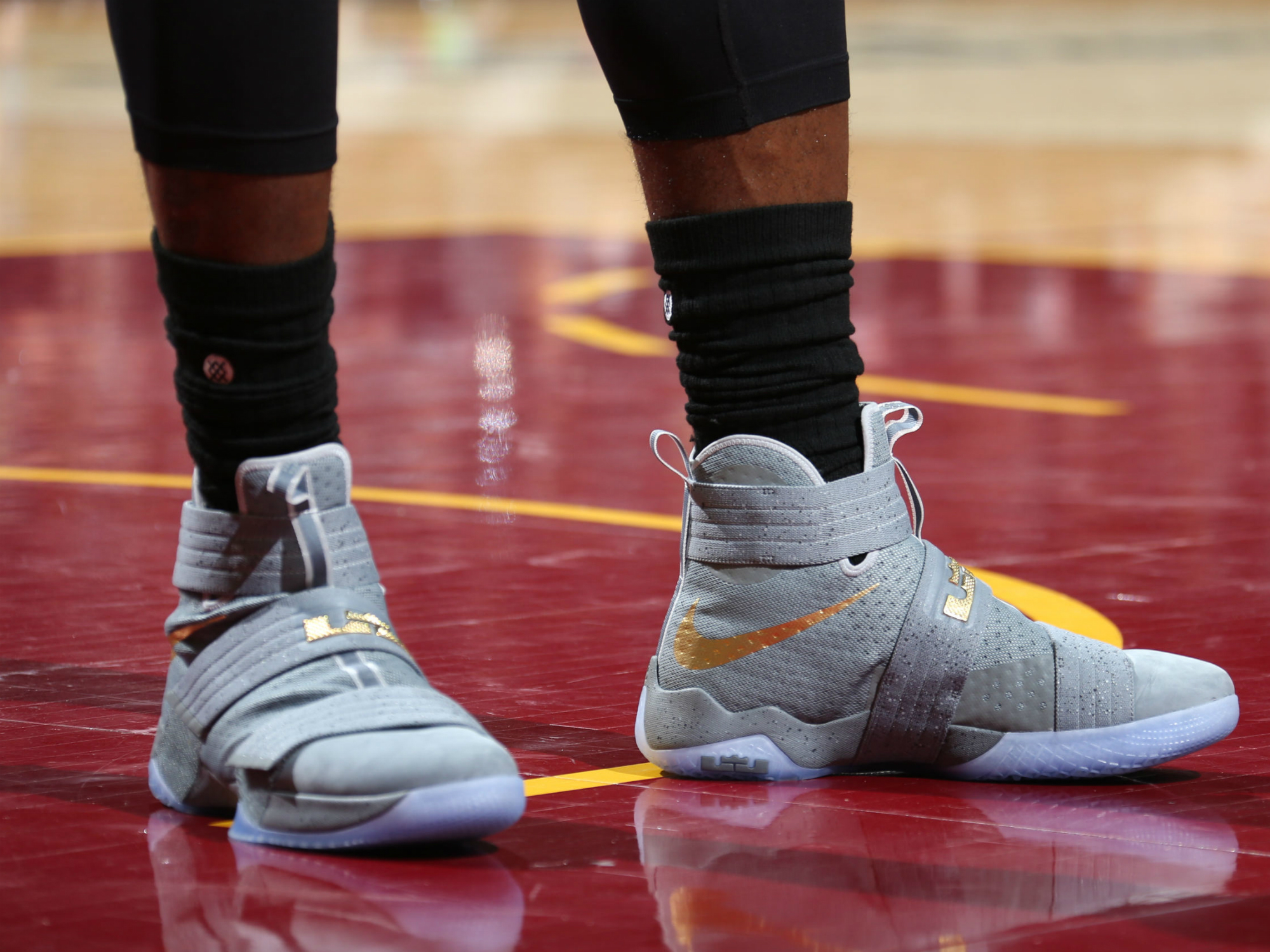 "LeBron James - Nike Zoom LeBron Solider X ""Battle Grey"""