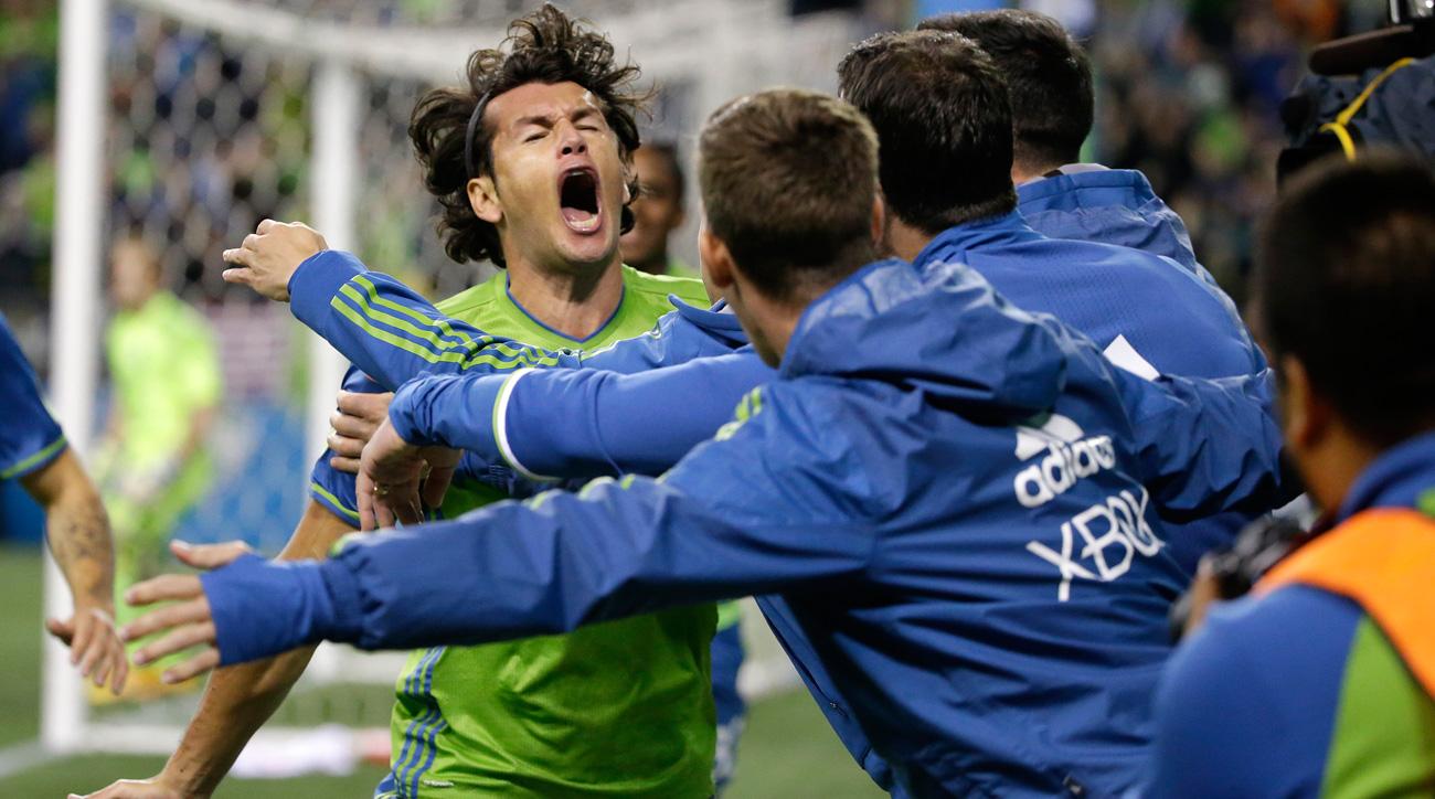 Nelson Valdez scores Seattle's winner over Sporting Kansas City in the MLS playoffs