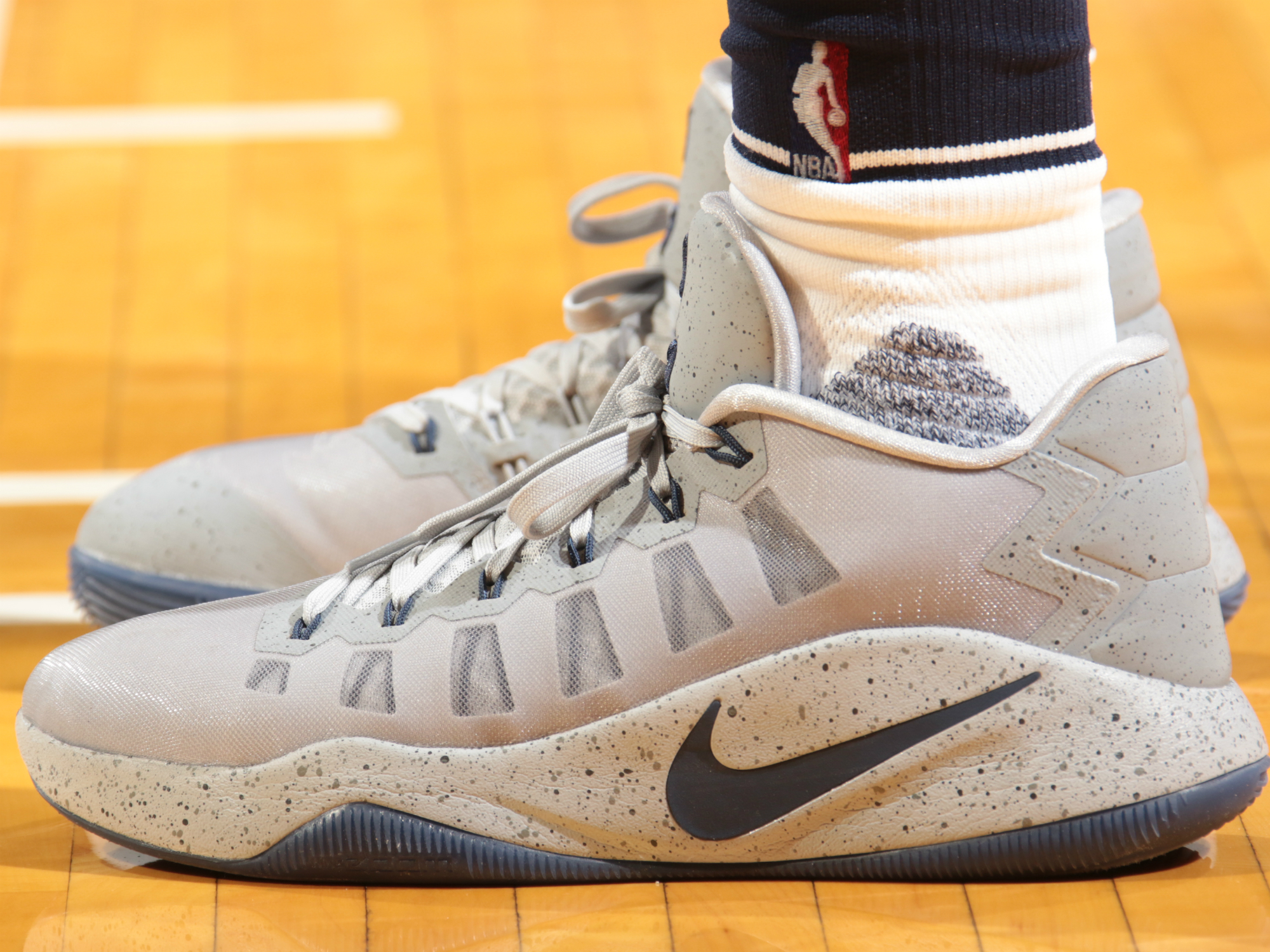 "Paul George - Nike Hyperdunk low 2016 PE ""Battle Grey"""